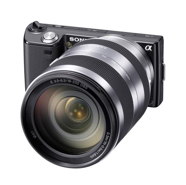 Sony cu montură E: NEX-5 şi NEX-3