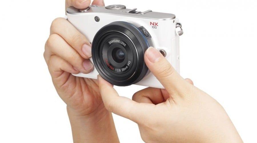 Samsung prezintă inovatorul NX100
