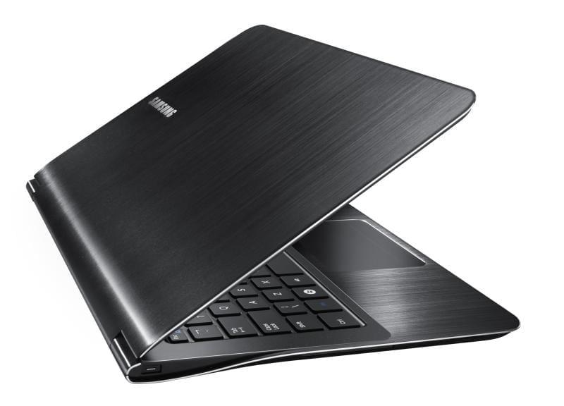 Cel mai subţire laptop poartă sigla Samsung