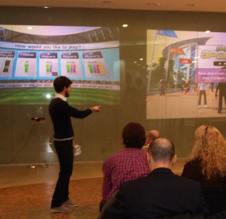 Microsoft Kinect şi cabine virtuale de probă în zona High-Tech a centrului Cocor din Bucureşti