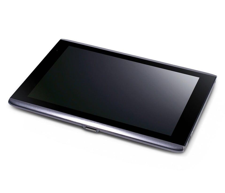 Trei tablet-uri Acer: 7 şi 10.1 inchi, Android 3.0 şi Windows 7