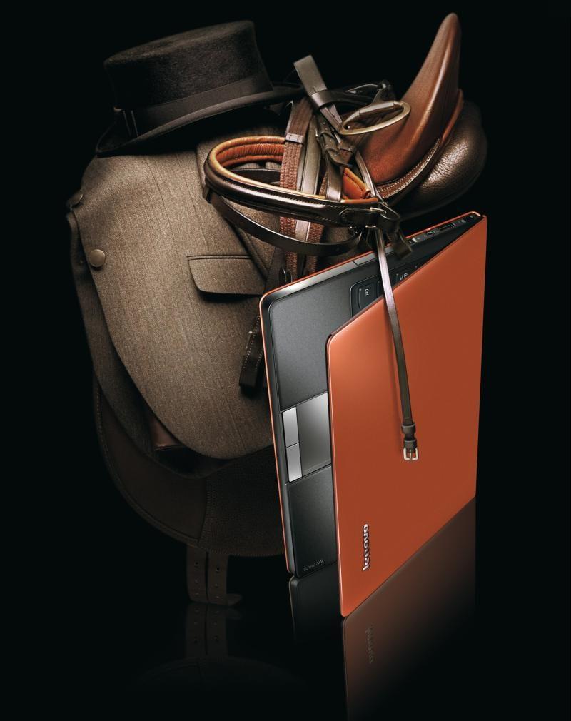 Premieră Lenovo: Ultra-portabil cu ecran wide de 16:9 şi suport de piele pentru palme