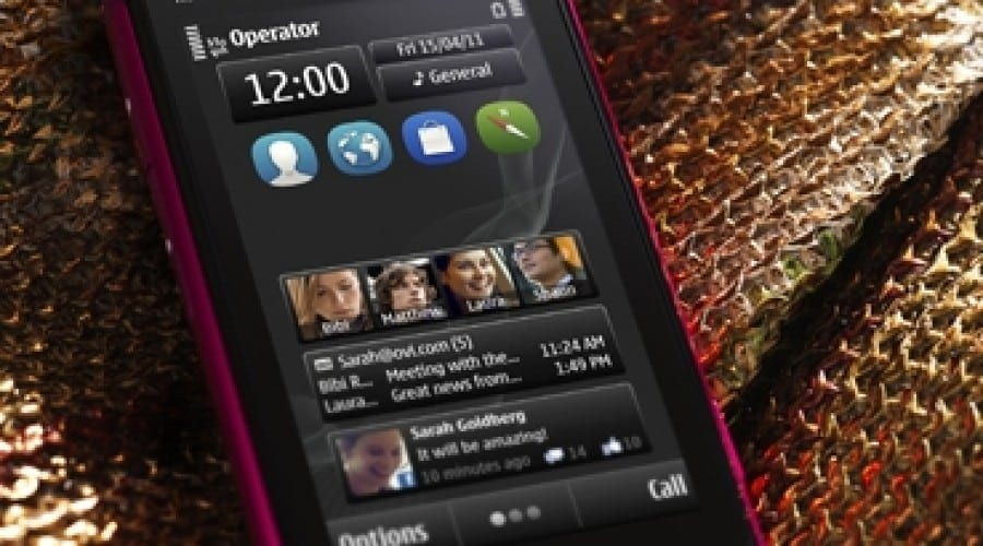 Nokia N8, disponibil pe roz