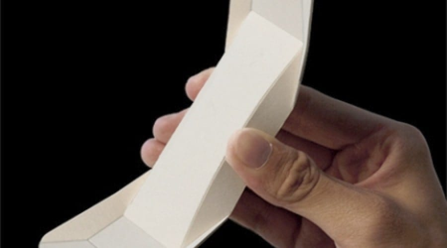 Telefonul Origami cântăreşte câteva grame