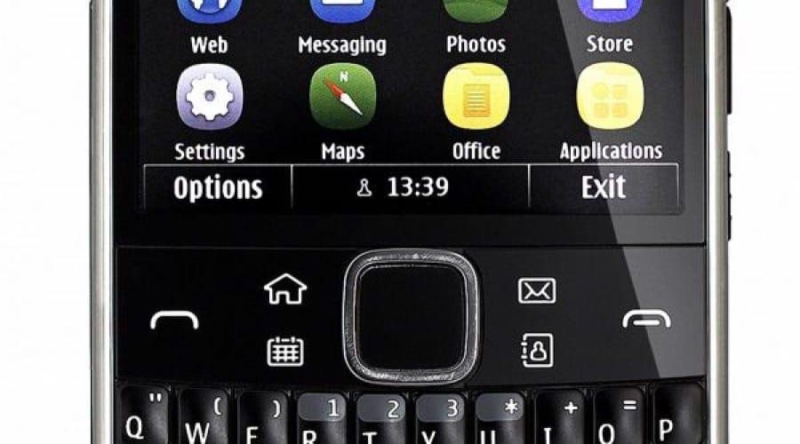 Nokia E6: Smartphone-ul business soseşte în România