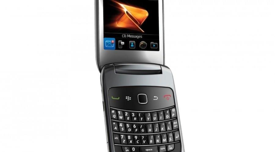 BlackBerry Style 9670: Puterea BlackBerry într-un design cu clapetă