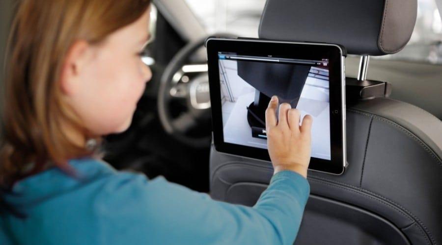 Vogel RingO fixează tableta iPad 2 în maşină sau pe perete