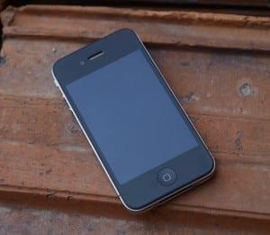 Apple ar putea lansa un iPhone 4 de 8 GB