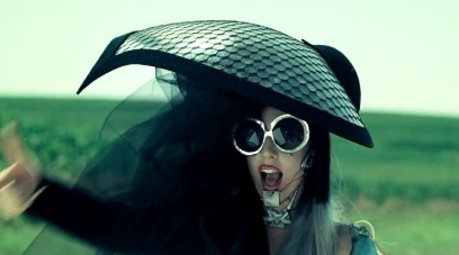 Lady Gaga You And I: Noul video incendiar a strâns deja aproape 10 mii de comentarii pe YouTube