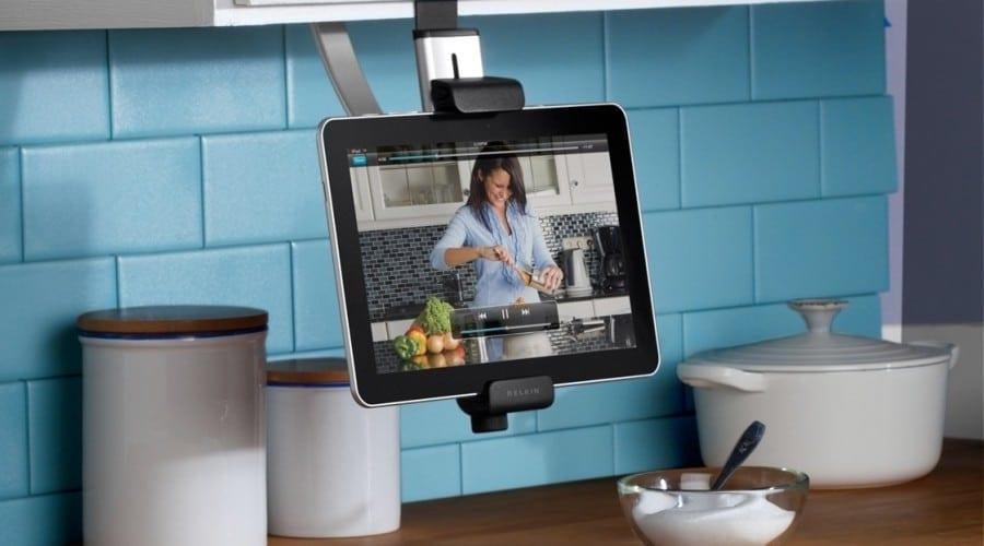 Belkin Chef Stand sau Fridge Mount: Cu iPad în bucătărie
