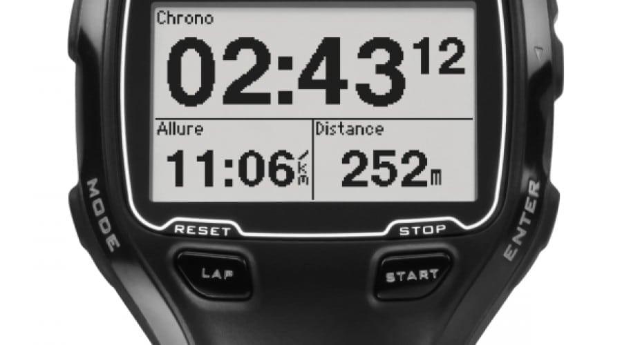 Garmin Forerunner 910XT: Ceasul perfect pentru înotători şi ciclişti