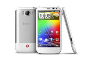 htc sensation xl 300x200 HTC Sensation XL: Beats Audio ?i ecran de 4.7 inchi