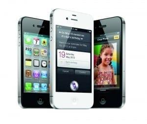 iPhone 4S se vinde ca pâinea caldă în Statele Unite