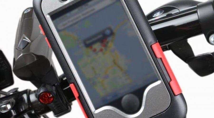 iPhone 4S pe ghidonul bicicletei