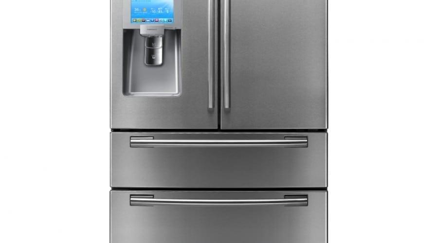 Facebook pe uşa frigiderului