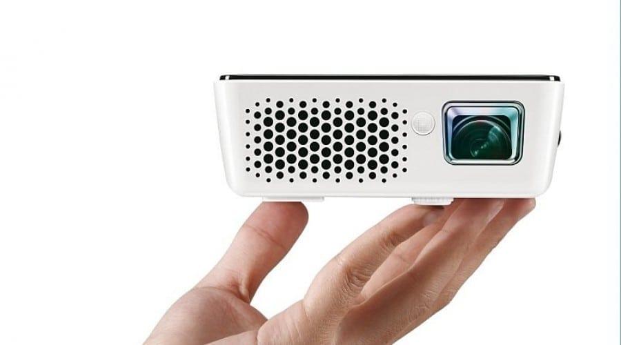 BenQ GP2: Mini-proiector compatibil cu iPhone şi iPod