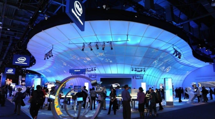 Lenovo K800 şi alte detalii despre smartphone-urile pe platformă Intel