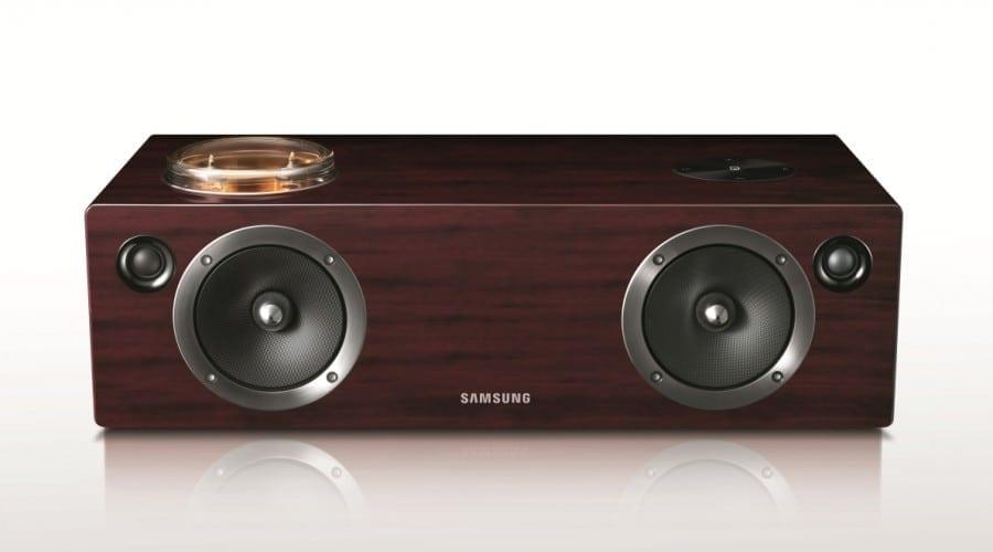CES 2012: Samsung lansează dock-urile DA-E750 şi DA-E670