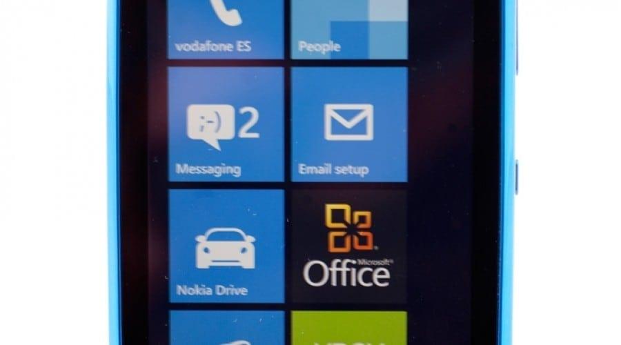 Nokia Lumia 610: Windows Phone 7.5 pentru tineri