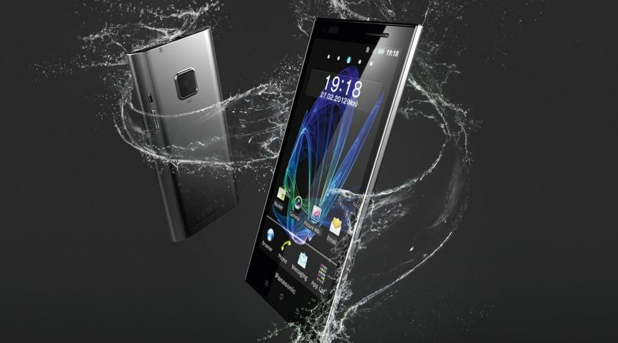 Panasonic Eluga: Smartphone high-end rezistent la apă şi praf