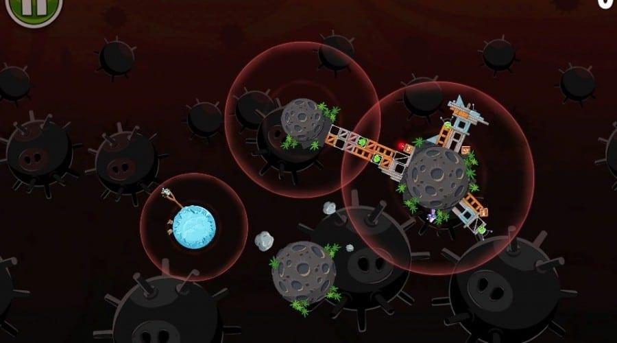 Angry Birds Space atrage atenţia asupra ecranului prea mic al iPhone-ului