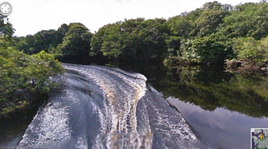 Google Street View te plimbă prin Amazon