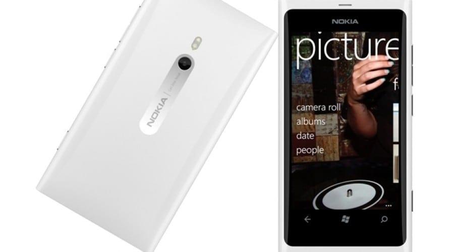 Nokia Lumia 800 şi Lumia 710, în magazinele Germanos şi Cosmote