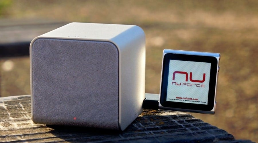 NuForce Cube: Boxă, amplificator şi DAC