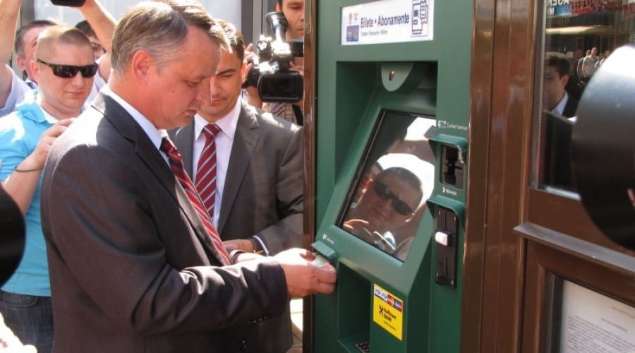 Arobs automatizează vânzarea de bilete pentru mijloacele de transport în comun din Iaşi