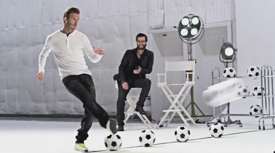 David Beckham şi Samsung GALAXY Note fac echipă perfectă (video)
