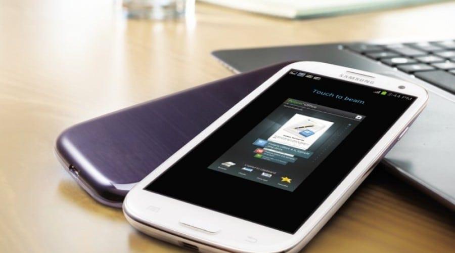 Samsung Galaxy S 3 se bucură de succes pe piaţa din UK