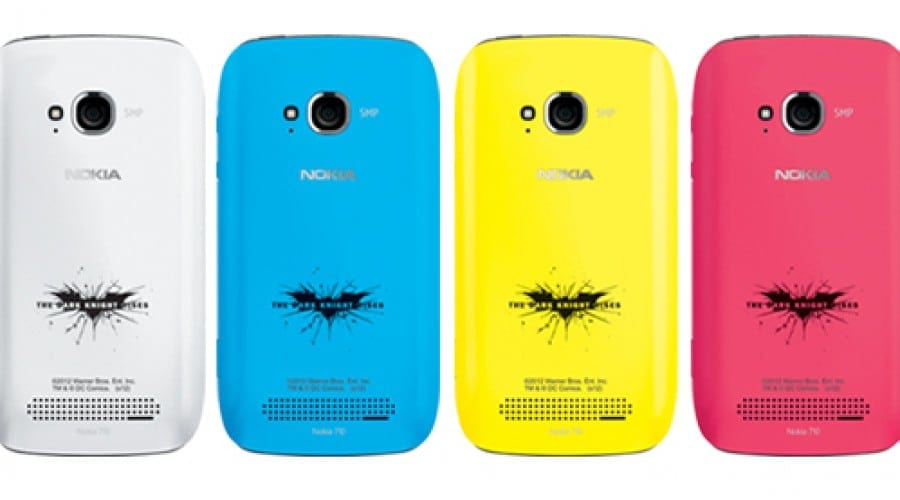 Nokia Lumia 710 îmbracă haina Cavalerului Negru