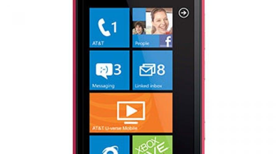 Nokia Lumia 900, disponibil în culoarea roz