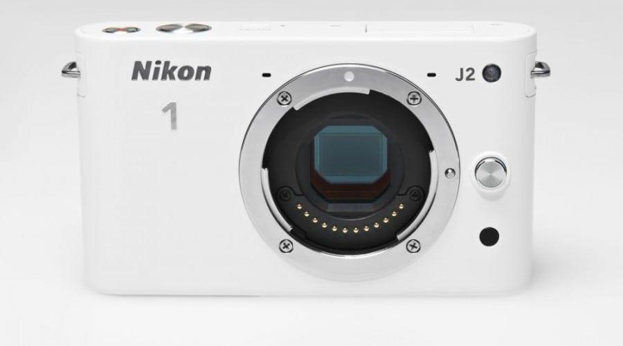 Nikon 1 J2, disponibil acum prin SKIN