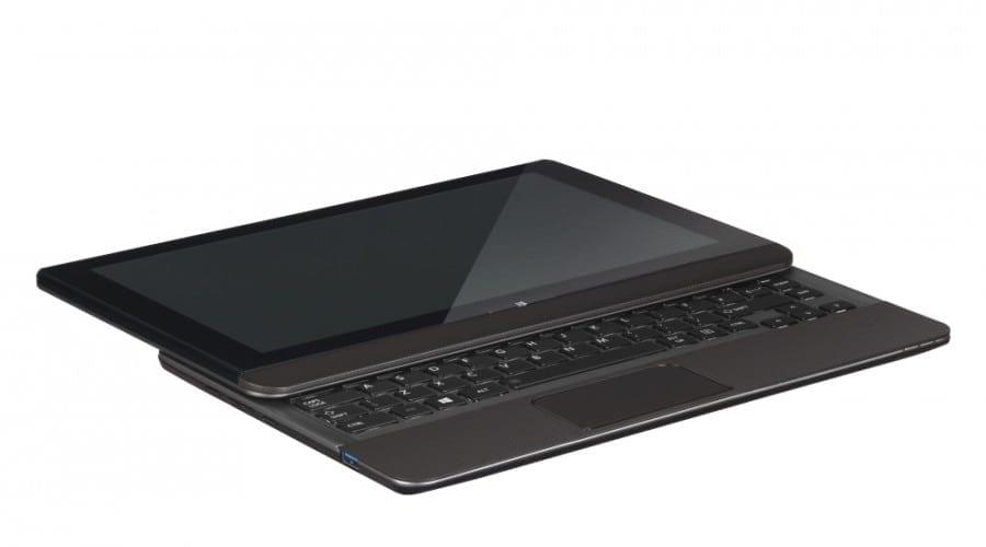 Toshiba Satellite U920t: Ultrabook şi tabletă într-un singur dispozitiv