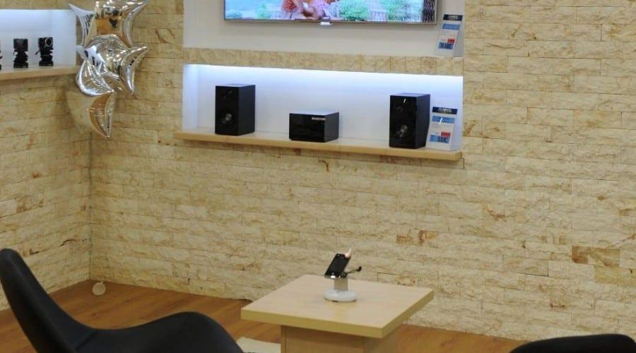 """Românii preferă un televizor """"social"""" cu acces la internet"""