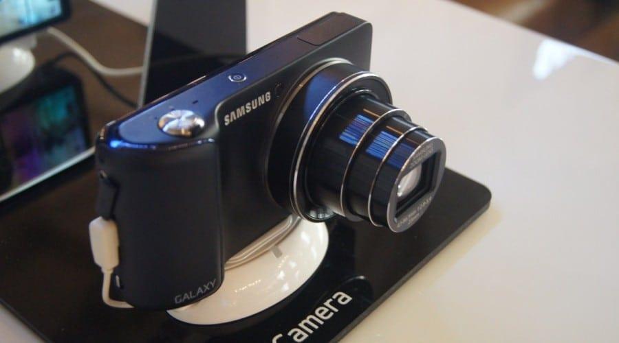 Samsung Galaxy Camera, camera cu sistem de operare Android, este disponibila oficial in Romania