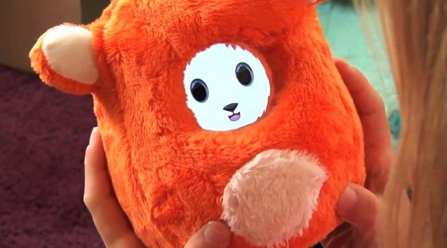 Cadouri de Craciun pentru cei mici: Ubooly pentru iPhone şi iPod (video)