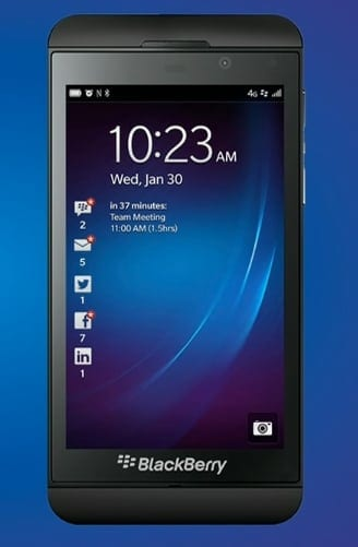 Blackberry Z10, disponibil la operatori