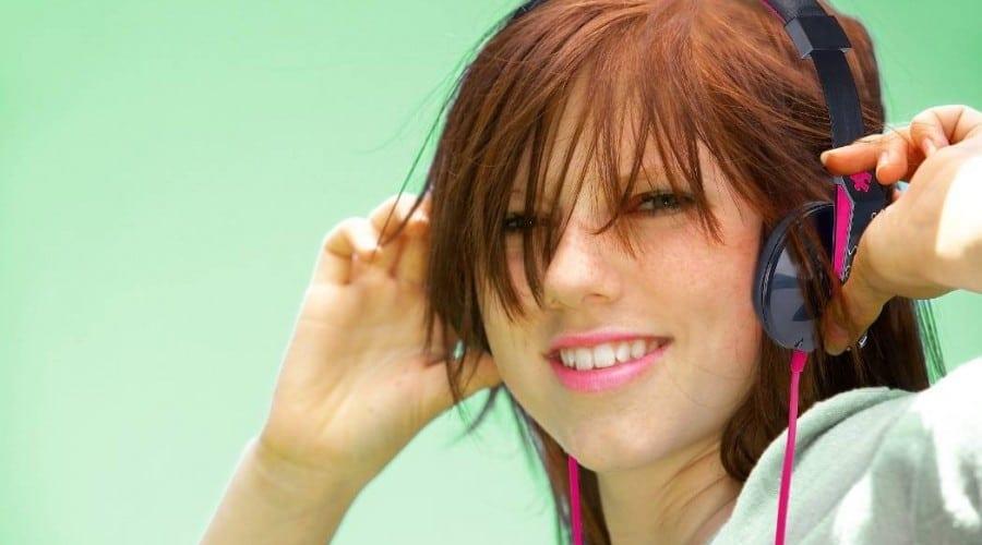 Genius GHP-460S: Căşti dedicate tinerilor si nu numai