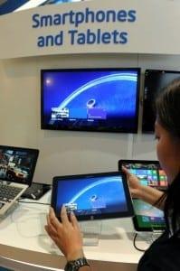 intel mwc 2013 199x300 Intel continuă extinderea pe segmentul mobil: Noi procesoare şi tehnologii lansate la MWC