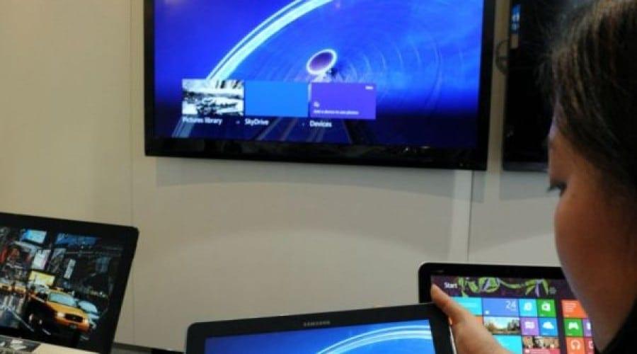 Intel continuă extinderea pe segmentul mobil: Noi procesoare şi tehnologii lansate la MWC