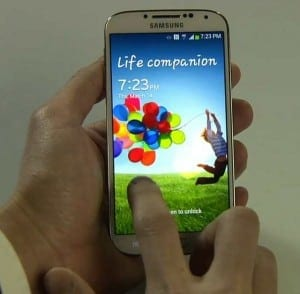 Galaxy S4 va suporta incarcare fara fir