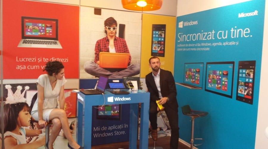 Parteneriat Orange-Microsoft: Windows este prezent in 10 magazine din tara, pe laptop, tableta si smartphone