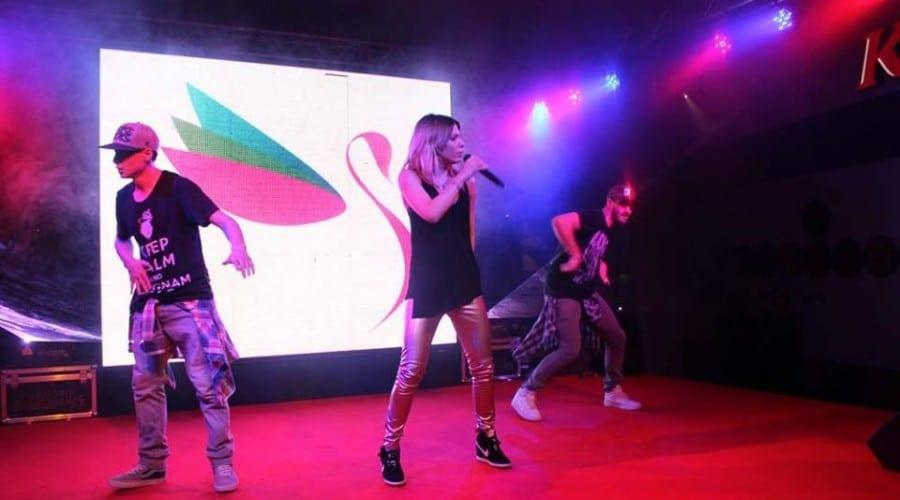 Surprize la Shopping City Galati: Concert Sore, campionii SuperKombat, Hrubaru si caravana Rock FM, evenimente ce au avut loc dupa deschiderea H&M (P)