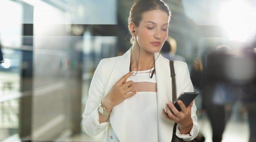 Cisco: în 2020 mai mulți oameni vor avea telefon mobil decât mașină, acces la energie electrică și apă curentă
