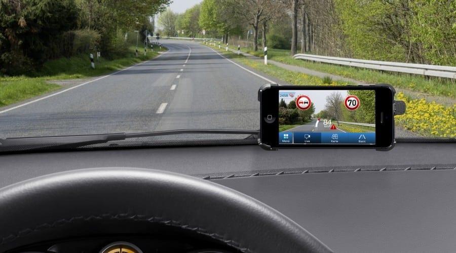 Aplicaţia pentru smartphone myDriveAssist de la Bosch îţi citește semnele de circulație