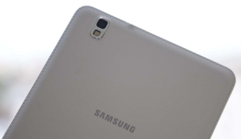 Samsung-Galaxy-Tab-Pro-8-4-camera-spate