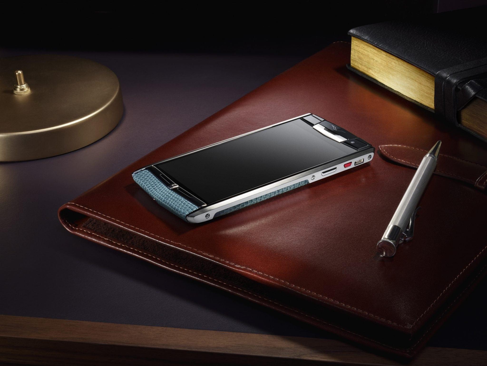 Vertu Signature Touch: smartphone high end suprem