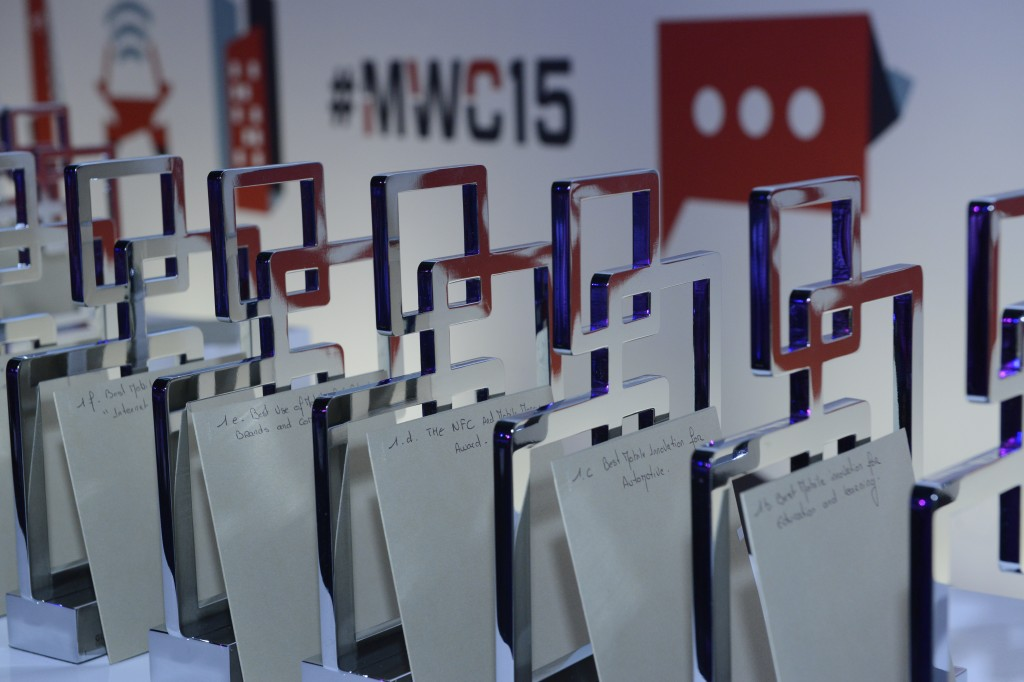 "#MWC2015: Samsung Galaxy S6 Edge a primit titlul ""Best New Handset, Tablet or Device"""